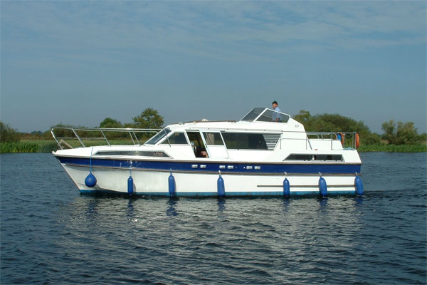 Cruisers for hire on the Shannon River - Clare Class