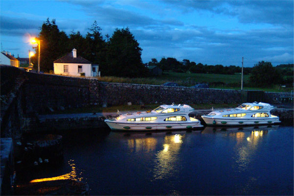 Cruisers for hire on the Shannon River - Caprice