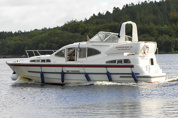 Cruisers for hire on the Shannon River - Inver Duke