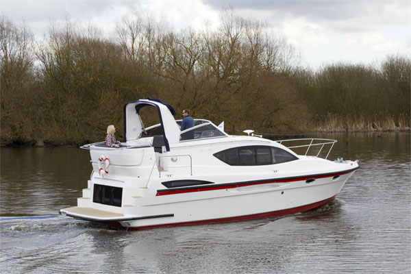 Cruisers for hire on the Shannon River - Inver Queen
