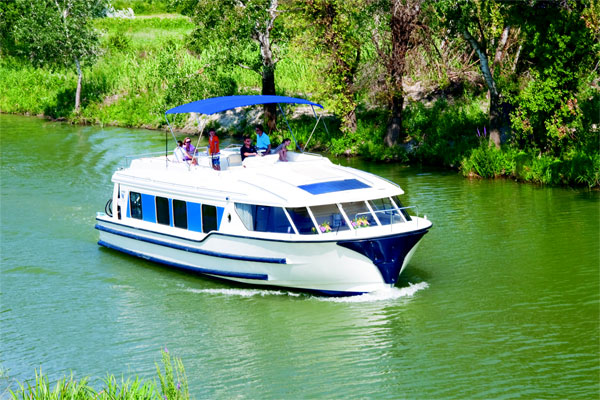 Cruisers for hire on the Shannon River - Vision 3 SL