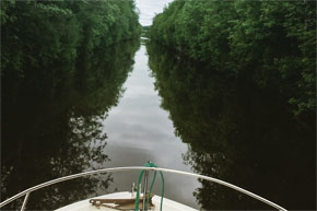 A very straight canal