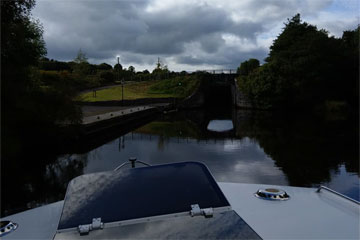 Coming up to a lock on the Shannon-Erne waterway