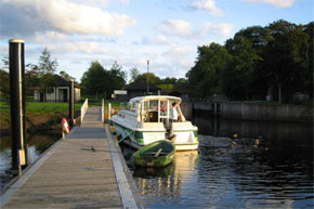 Feeding the ducks from the rear deck of a Town Star while waiting for a lock on the Shannon/Erne Waterway.