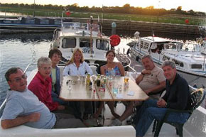 Relaxing on the Magnifque flybridge with friends and family.