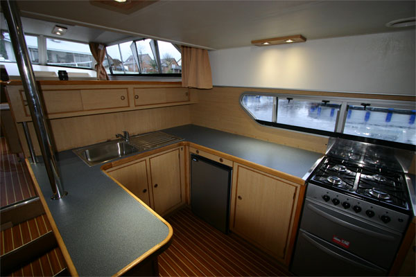 The Galley on the Fermanagh Class Cruiser - Shannon River Boat Hire Ireland