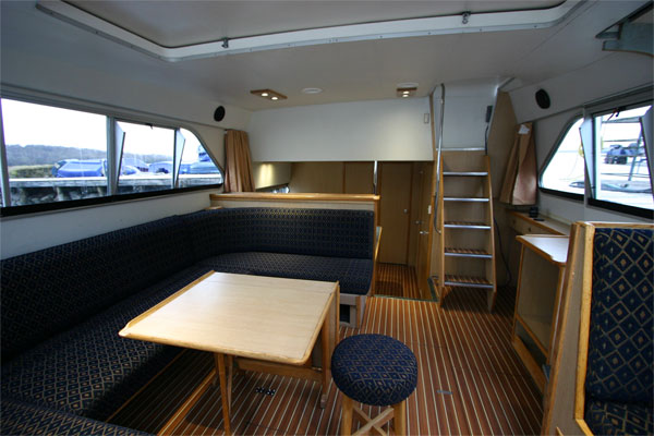The Saloon on the Fermanagh Class Cruiser - Shannon River Boat Hire Ireland
