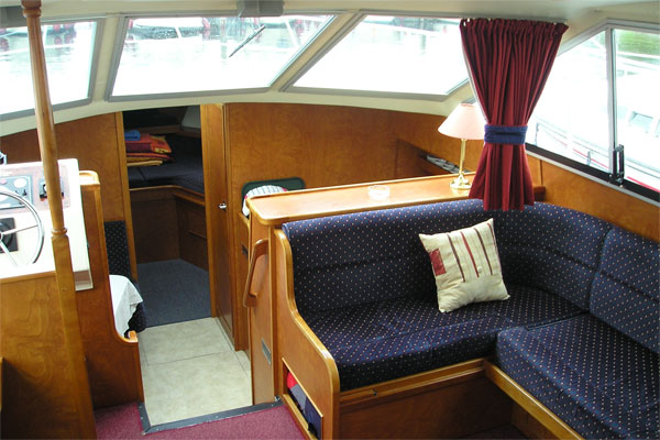 Main Saloon on the Silver Legend.
