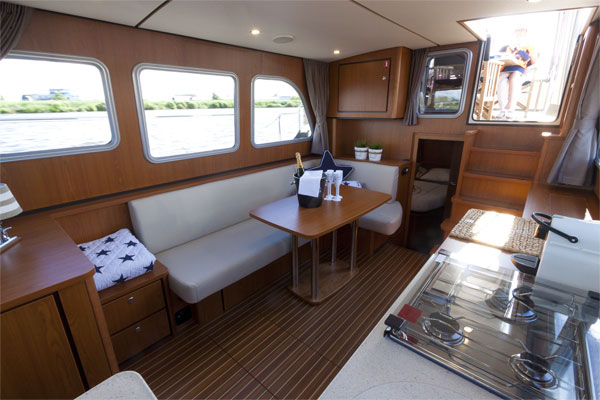 Saloon area on the Linssen 35.0AC Hire Boat.
