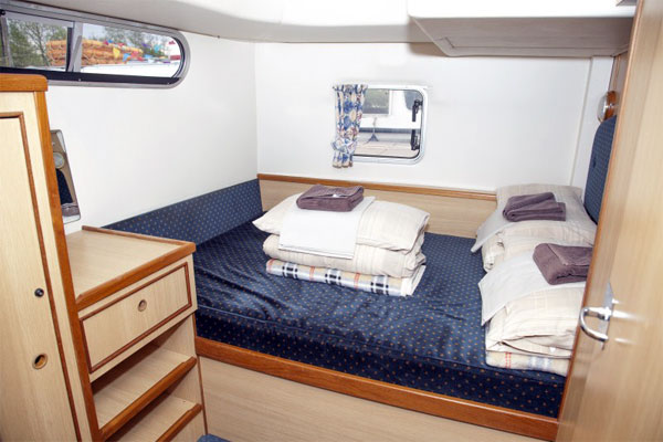 Sleeping Cabin on the Silver Swan Hire Boat