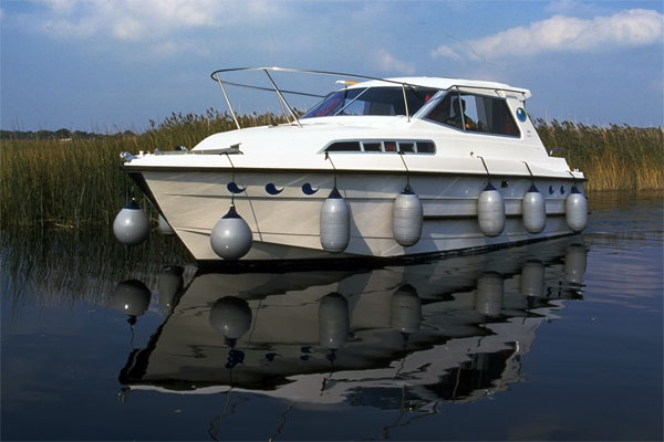 Shannon River Boats for Hire in Ireland - Wave Duke