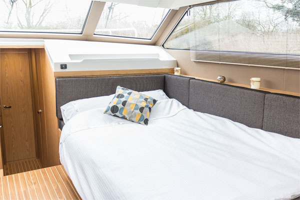 Convertible berth on the Inver Lady Hire Boat