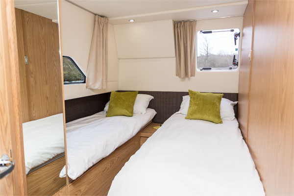Twin cabin on the Inver Lady Hire Cruiser