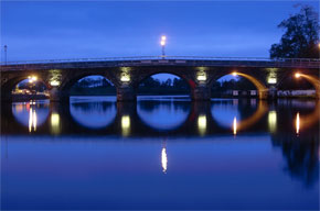 The bridge over the Shannon River in Carrick-on-Shannon at night